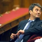 Fordulat: a Fidesz megint szereti a multikat
