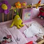 Elveszik anyjuktól a törökszentmiklósi csecsemőket