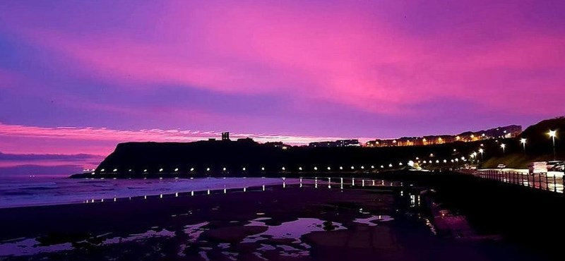 Olyan volt az ég hajnalban Anglia fölött, amire nehéz szavakat találni – fotók