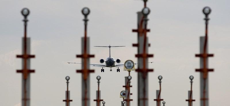 Új reptérrel oldaná meg a ferihegyi gondokat az MSZP