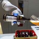 Annyi robot nincs nálunk, hogy elvegye a magyarok munkáját. Még nincs