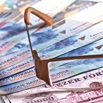 A gondnokság alá helyezett elesett embereknek is ingyenes lesz a készpénzfelvétel