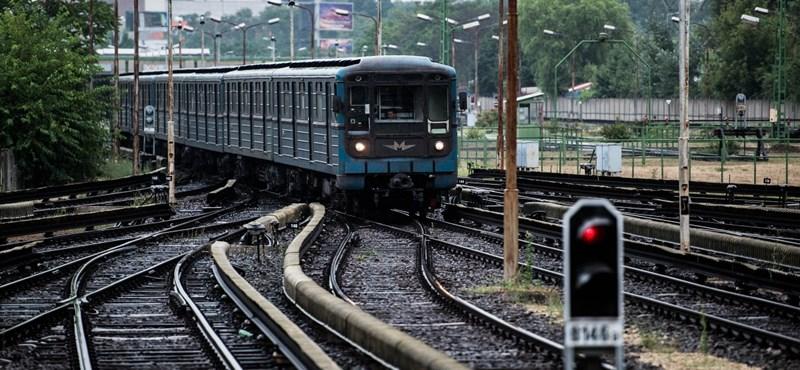 Nincsenek épelméjű ajánlatok: tovább csúszhat a 3-as metró felújítása