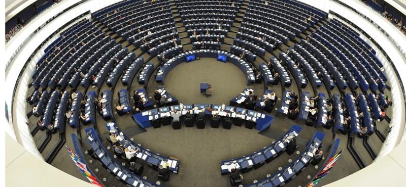 """""""Az alaptörvény-módosítás szembemegy az EU értékeivel"""""""