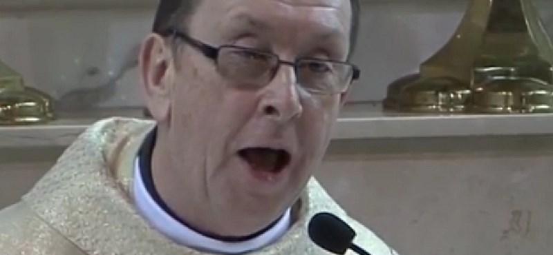Videó: Elképesztő meglepetéssel állt elő egy ír pap egy esküvőn