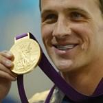 Egy leszakított vécéajtó miatt találták ki az amerikai olimpikonok, hogy kirabolták őket