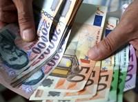 Újabb történelmi mélypontra esett a forint