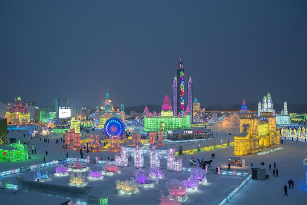 afp. Kínai jég és hófesztivál, 2014.