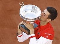 Nagyot küzdött Djokovic a 19. Grand Slam-trófeájáért