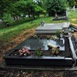 Óriási különbségek a sírhelyárakban