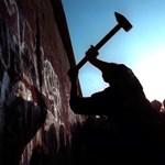 Így omlott le a berlini fal - Nagyítás