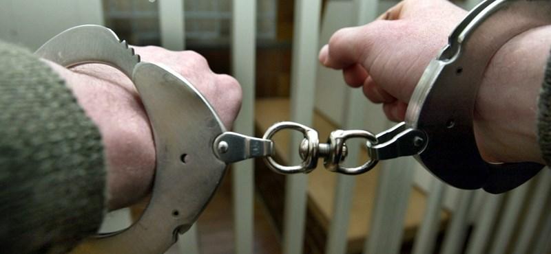 Nászéjszaka 35 év múlva - Házasság a börtönben