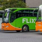 Felborult egy Berlinbe tartó Flixbus Németországban, többen megsérültek