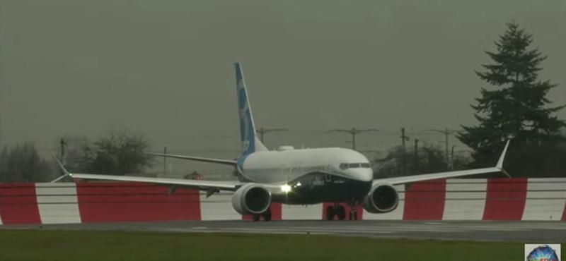 Videó: Elhagyta a földet a Boeing legújabb büszkesége