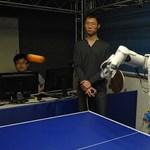 Ping-pongozó robotok Kínából. A jövő közelebb van, mint gondoltuk? (videó)