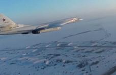 Atomfegyverek indítására alkalmas orosz gépek érkeztek Venezuelába