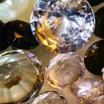 Fordulat: 130 éves hagyományát rúgja föl a gyémántóriás