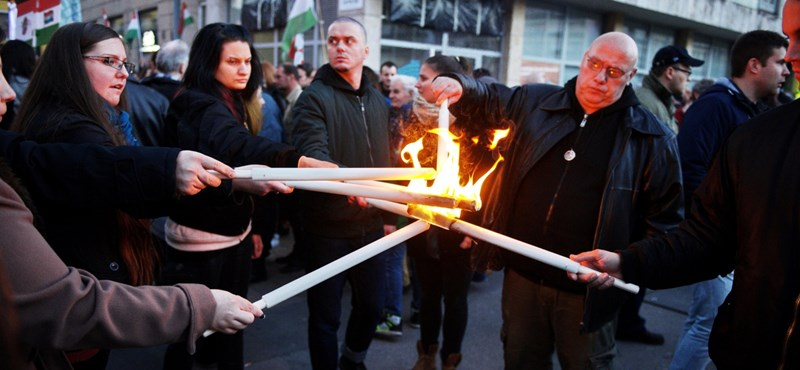 A Jobbik legveszélyesebb lépése: most tömegesen is cukinak kéne látszani