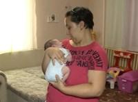 A mentők diszpécsere segített egy fuldokló csecsemőn