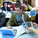 Nyolcvanöt laptopot kapott az iregszemcsei iskola