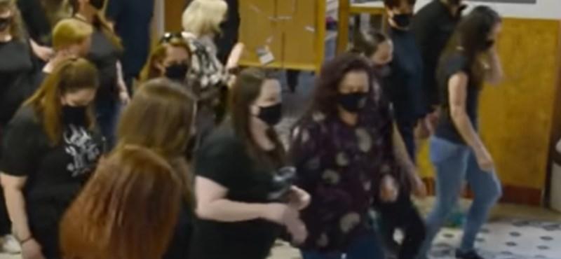 Megható videóval búcsúztak egy egri iskola tanárai a diákoktól