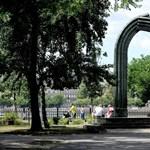 A józanság diadala: szavazás a Károlyi-szoborról