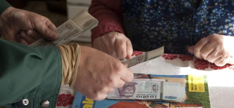Év közben változnak meg a nyugdíj melletti munka szabályai
