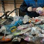 Feltalálták a műanyagot, ami véget vethet a mérhetetlen szeméthalmozásnak