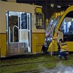 Emberi mulasztás miatt balesetezett a vadonat új CAF villamos