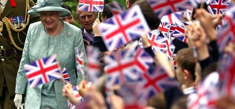 """Megünnepelték a brit uralkodó """"hivatalos"""" születésnapját. II. Erzsébet 66-szor vett részt rajta"""