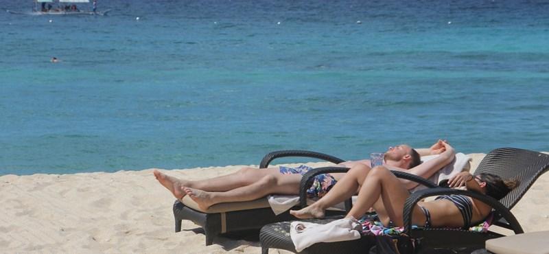 Lezártak egy Fülöp-szigeteki strandot, mert egy turista elásott egy használt pelenkát