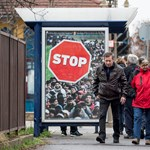 Menekülteket lejárató sztorikat rendelt a külügy a magyar nagyköveteknél