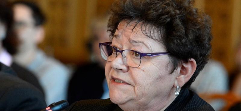 Müller Cecília: A vírus nem foglalkozik azzal, hogy húsvét van