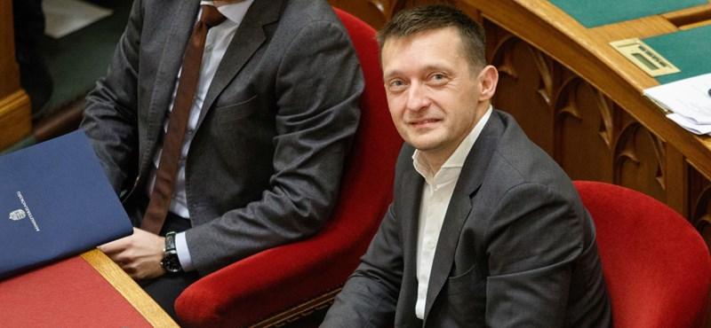 Rogán Antal tanácsadója kapott egy havi 1,3 milliós munkát