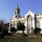 Rozsdásodó templom Isztambulban