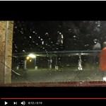 A magasnyomású mosó még a fegyveresek ellen is megvéd?! - videó