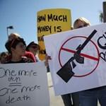 Egy fegyverbolt nyilatkozatot kér a vásárlóitól arról, hogy nem Joe Bidenre szavaztak