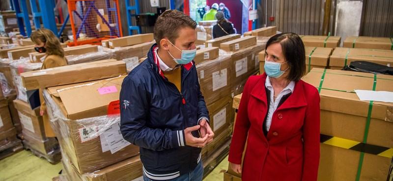 Kiderült, hol tárolja a magyar kormány a lélegeztetőgépeket