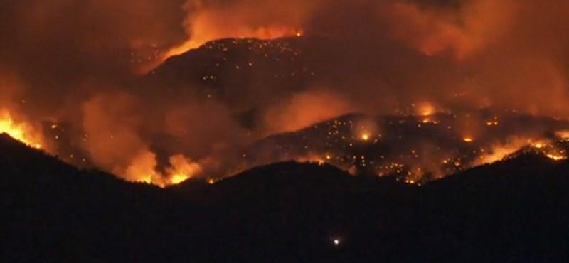 Tűzoltók házait is elpusztította az erdőtűz Coloradóban - videó
