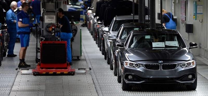 Megszólalt Szijjártó a BMW-gyár építésének felfüggesztéséről