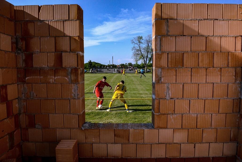 NE HASZNÁLD!!! - Sport (sorozat) - 1. díj: Mártonfai Dénes (Tolnai Népújság): Vidéki foci