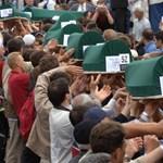 A világ Srebrenicában emlékezik
