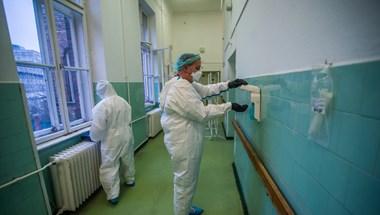 Koronavírus: 124 újabb elhunyt, 4,15 millió beoltott