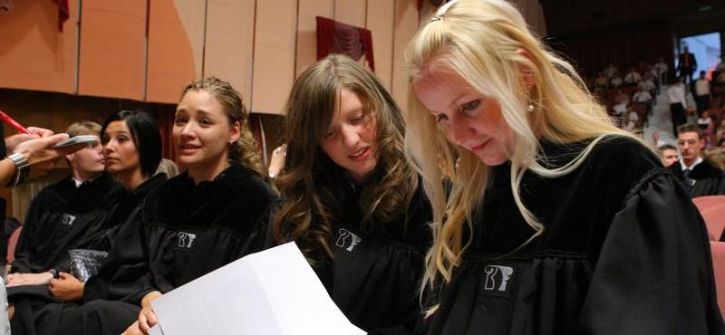 Diploma nyelvvizsga nélkül: a pécsi egyetemisták rosszul járnak