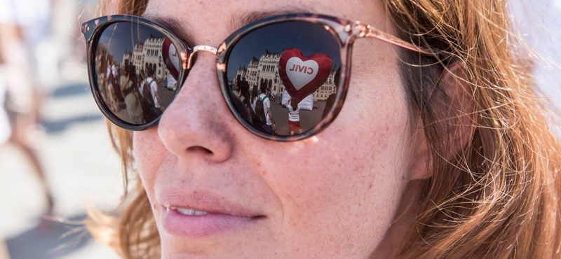 """""""Ilyen utoljára az 50-es években volt"""" – Civilek tiltakoztak a Stop Soros ellen"""
