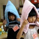 Videó: a japán diákoknak muszáj felkészülniük a földrengésekre