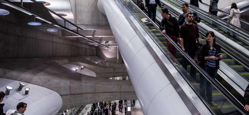 Zöld jelzést kaptak a 4-es metró beléptető kapui a Keletinél