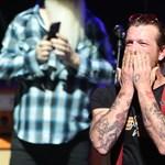 Befejezte félbeszakadt koncertjét az Eagles of Death Metal