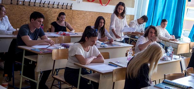 Több ezer diákra vár vizsga, itt az érettségi e heti menetrendje