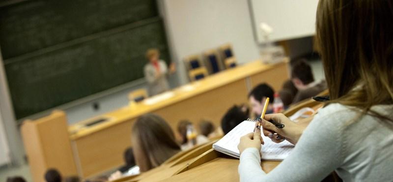 Itt a minisztériumi terv: több tízezerrel kevesebb egyetemista kaphat ösztöndíjat